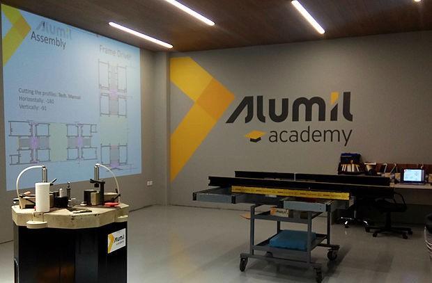 ALUMIL Academy: Αναβαθμίζεται περαιτέρω με νέα καινοτόμα προγράμματα δια βίου μάθησης
