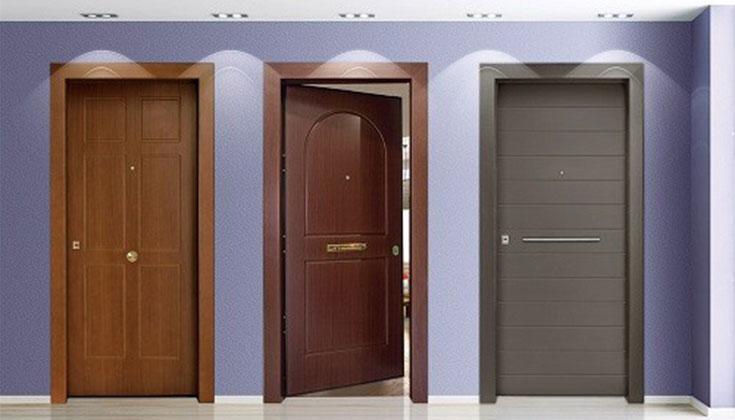 Πόρτες Με Επένδυση Ξύλου
